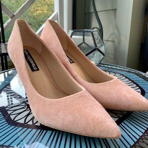 Karl Lagerfeld Royale Pink Suede Heels Pumps 8